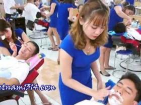 總是讓男遊客排長隊的越南理髮店
